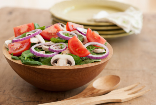Salad「Fresh salad in bowl on table」:スマホ壁紙(18)