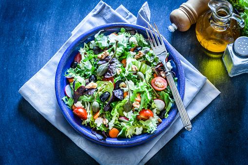Arugula「Fresh salad plate on bluish table」:スマホ壁紙(3)