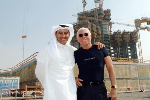 ブランド ジョルジオアルマーニ「Giorgio Armani Tours Armani Hotel Site at The Burj Dubai」:写真・画像(3)[壁紙.com]