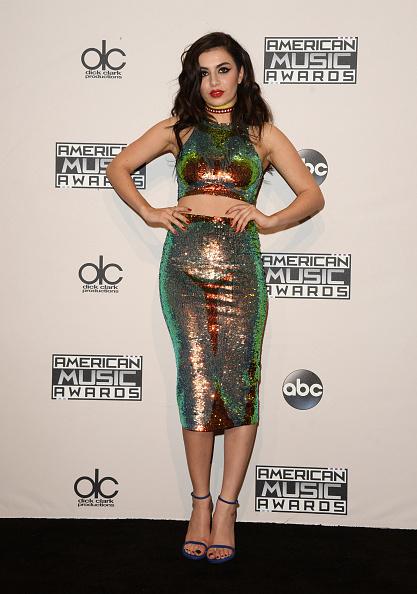 Sequin Skirt「2014 American Music Awards - Press Room」:写真・画像(4)[壁紙.com]