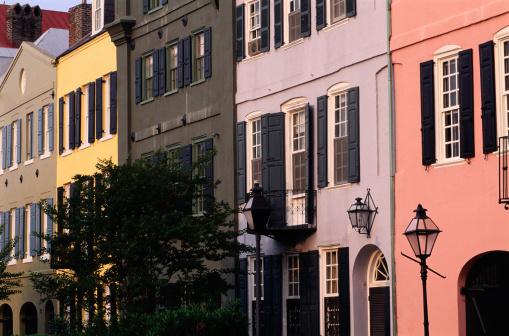 Charleston - South Carolina「Row Houses in Charleston, South Carolina」:スマホ壁紙(4)
