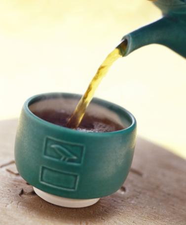 Pour Spout「Pouring tea into cup」:スマホ壁紙(7)