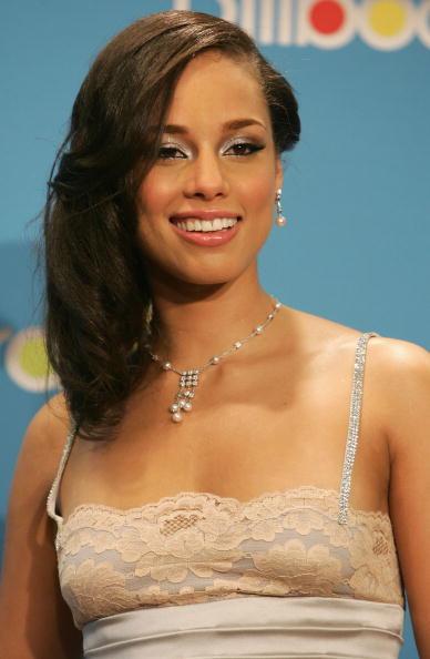 Costume Jewelry「2004 Billboard Music Awards - Press Room」:写真・画像(6)[壁紙.com]