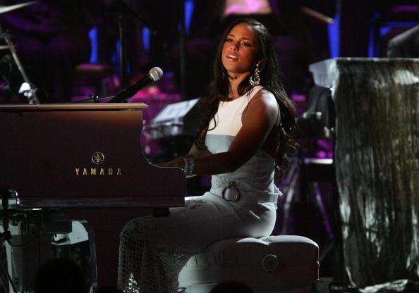 Strap「The 47th Annual Grammy Awards - Show」:写真・画像(13)[壁紙.com]