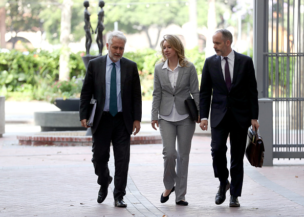Lawyer「Theranos Executives Elizabeth Holmes And  Sunny Balwani Return To Court」:写真・画像(18)[壁紙.com]