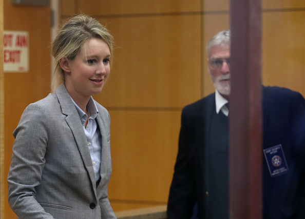 Justin Sullivan「Theranos Founder Elizabeth Holmes Appears In Court For Status Hearing」:写真・画像(0)[壁紙.com]