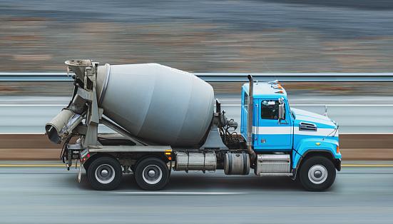 Construction Vehicle「Cement Truck En Route」:スマホ壁紙(17)