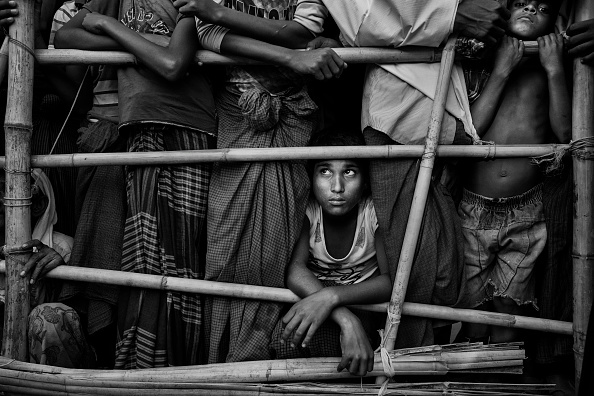 Cultures「Rohingya Refugees Flee Into Bangladesh to Escape Ethnic Cleansing」:写真・画像(2)[壁紙.com]