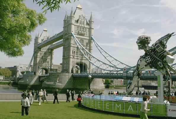 Sculpture「Giant Recycled Waste Sculpture Unveiled In London」:写真・画像(16)[壁紙.com]
