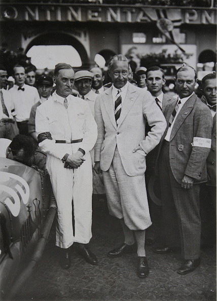 Sir Malcolm Campbell「William Of Prussia With Racer Sir Malcolm Campbell」:写真・画像(10)[壁紙.com]