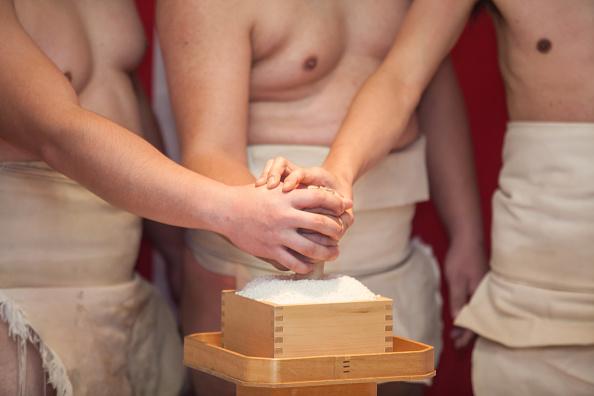 Japan「Naked Festival Takes Place At Saidaiji Temple」:写真・画像(1)[壁紙.com]