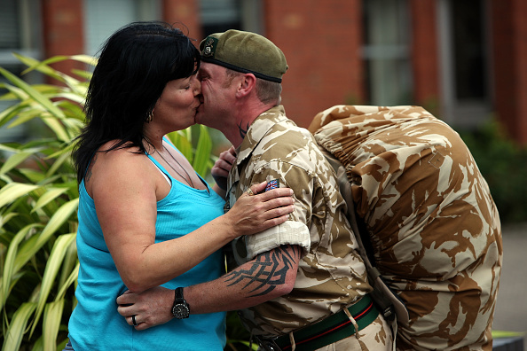 Green Light「2nd Battalion The Yorkshire Regiment Begin Their Deployment To Afghanistan」:写真・画像(17)[壁紙.com]