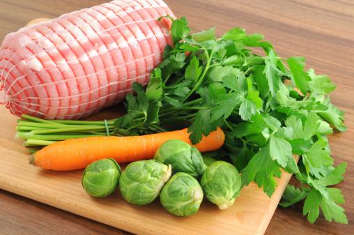 外モモ肉「ドイツ rollbraten 詰めた、豚ロース肉のニンジンパセリロール」:スマホ壁紙(5)