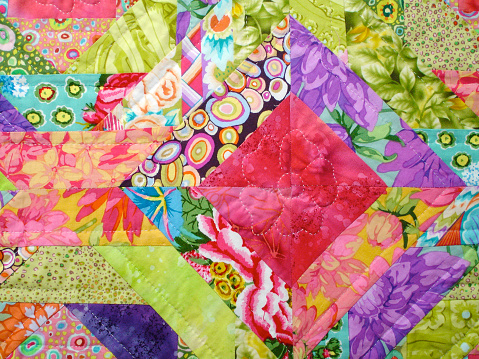 Duvet「Quilt made with colorful squares」:スマホ壁紙(13)
