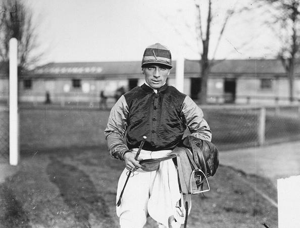 Douglas Miller「Jockey」:写真・画像(12)[壁紙.com]