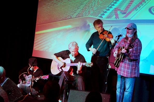 Violin「Jim Crawford with Kyle, Dowling and Piggott, Crawley Blues Festival, Hawth, Crawley, W Sussex, 2015」:写真・画像(0)[壁紙.com]