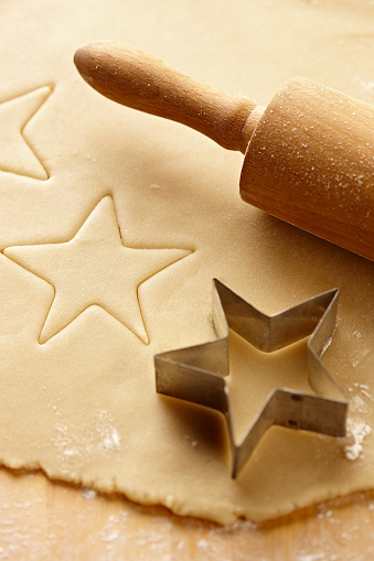 Cookie「Cookie Dough with Star Cookie Cutter and Rolling Pin 2」:スマホ壁紙(6)