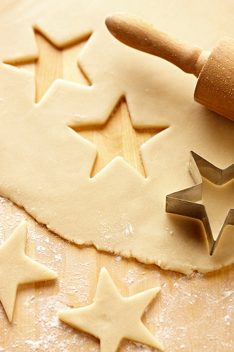 Cookie「Cookie Dough with Star Cookie Cutter and Rolling Pin 1」:スマホ壁紙(16)
