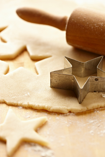 Cookie「Cookie Dough with Star Cookie Cutter and Rolling Pin 3」:スマホ壁紙(10)