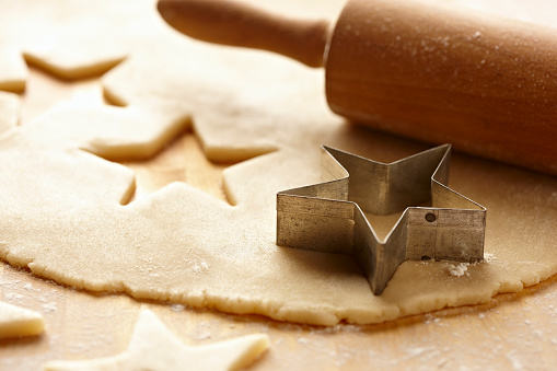 Cookie「Cookie Dough with Star Cookie Cutter and Rolling Pin 4」:スマホ壁紙(13)