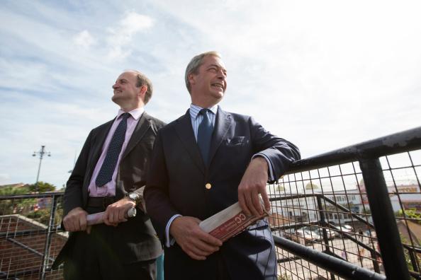 Water's Edge「UKIP Leader Nigel Farage and Douglas Carswell Visit Clacton On Sea」:写真・画像(14)[壁紙.com]