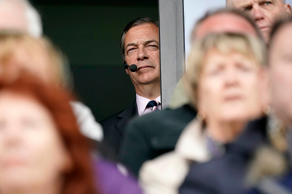 Waiting「The Brexit Party Campaigns In Fylde」:写真・画像(4)[壁紙.com]