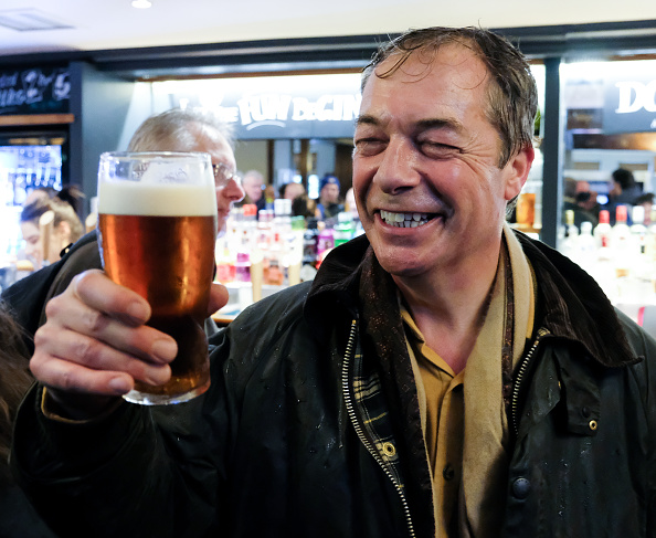 Pint Glass「Nigel Farage Launches The Pro-Brexit March To Leave From Sunderland」:写真・画像(12)[壁紙.com]