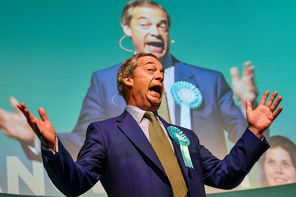 Europe「Nigel Farage Holds Brexit Party Rally In Scotland」:写真・画像(2)[壁紙.com]