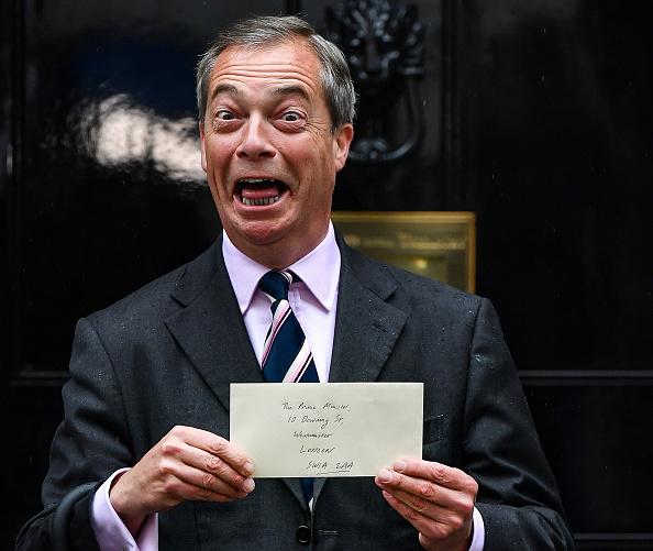 Brexit「Brexit Leader Nigel Farage Hands In Letter To Downing Street」:写真・画像(1)[壁紙.com]