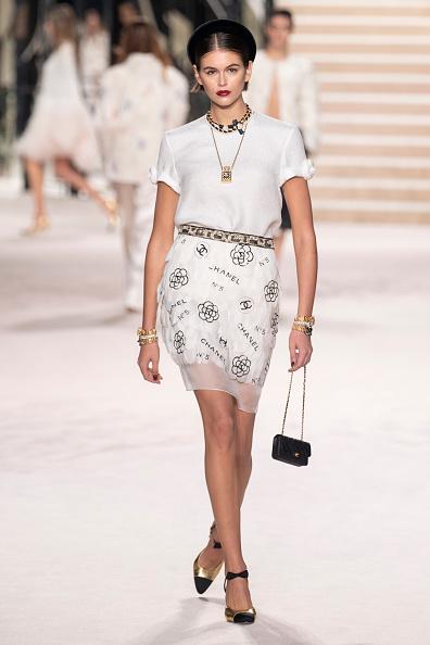 Mesh - Textile「Chanel Metiers D'Art 2019-2020 : Runway At Le Grand Palais In Paris」:写真・画像(0)[壁紙.com]