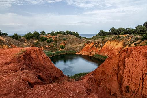 Bauxite「Bauxite quarry near Otranto, Lecce, Puglia, Italy」:スマホ壁紙(1)
