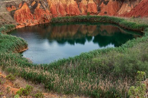 Bauxite「Bauxite quarry near Otranto, Lecce, Puglia, Italy」:スマホ壁紙(3)