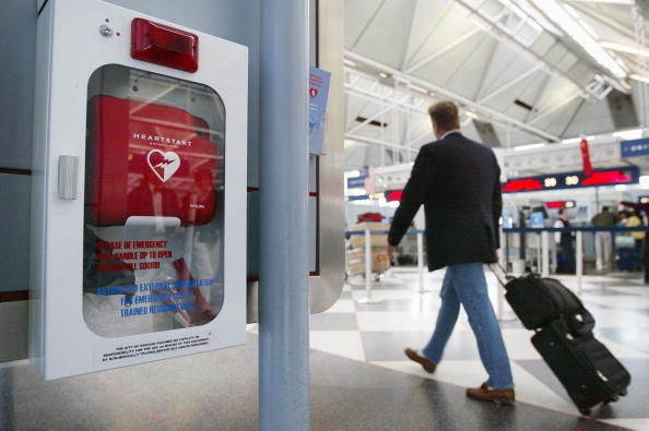Tim Boyle「Study Finds Defibrillators In Public Areas Double Survival Rate」:写真・画像(15)[壁紙.com]