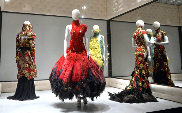 "Exhibition「""Alexander McQueen: Savage Beauty"" - Photocall」:写真・画像(17)[壁紙.com]"