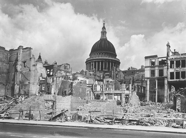 World War II「Wartime Devastation」:写真・画像(1)[壁紙.com]