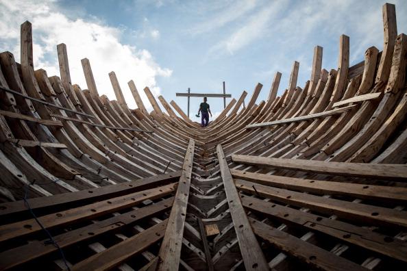 Economy「Traditional Phinisi Schooner Builders In Bulukumba」:写真・画像(7)[壁紙.com]