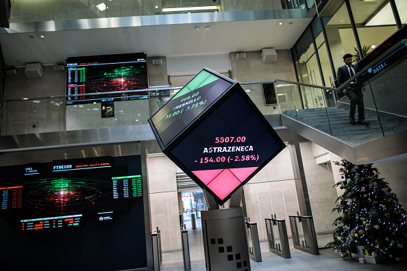 Holiday - Event「London Stock Exchange Reopens After Christmas Holiday」:写真・画像(7)[壁紙.com]