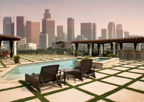Paving Stone「Backyard Pool with View of Downtown Los Angeles Skyline」:スマホ壁紙(15)