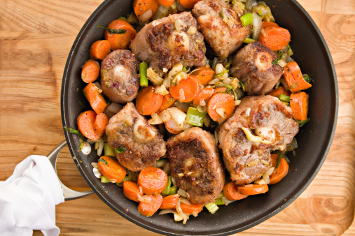 Celery「Browning Oxtails And Vegetables For Soup」:スマホ壁紙(6)