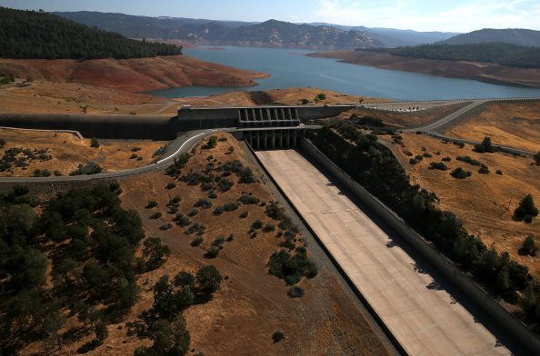 Sequential Series「Statewide Drought Takes Toll On California's Lake Oroville Water Level」:写真・画像(14)[壁紙.com]
