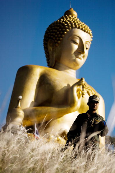 Giant Buddha「Violence Continues In Southern Thailand」:写真・画像(16)[壁紙.com]