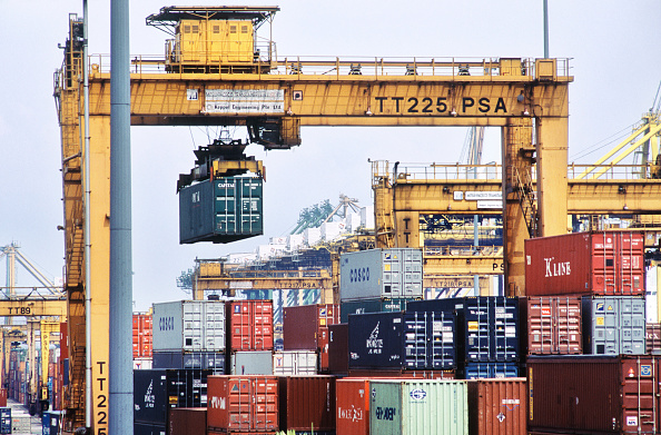 Cargo Container「Port of Singapore Authority PSA container cranes stacking the thousands of containers which pass through the largest throughput container handling facilities in the world」:写真・画像(15)[壁紙.com]