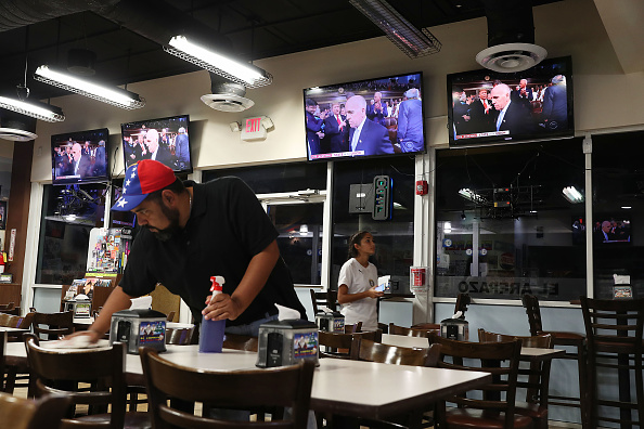 Florida - US State「Venezuelan Community In Doral Watches Trump's State Of The Union Address」:写真・画像(12)[壁紙.com]