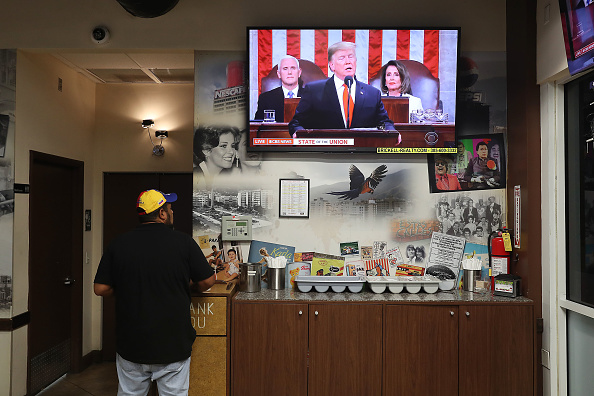 Joint Session of Congress「Venezuelan Community In Doral Watches Trump's State Of The Union Address」:写真・画像(18)[壁紙.com]