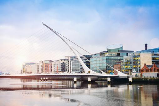 Liffey River - Ireland「Dublin City Samuel Beckett Bridge」:スマホ壁紙(9)