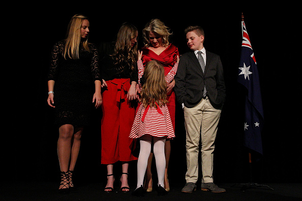 Moonee Valley Racecourse「Hung Parliament Looms With Federal Election Results Too Close To Call」:写真・画像(11)[壁紙.com]