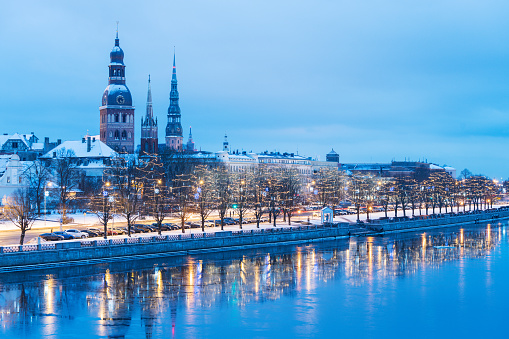 Gothic Style「Riga towers in winter」:スマホ壁紙(7)