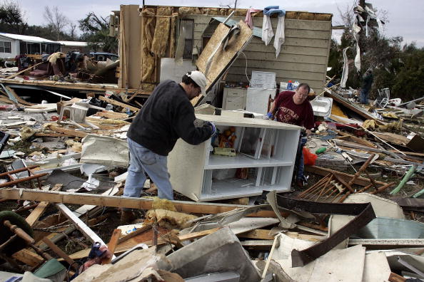 Recovery「At Least 20 People Killed In Central Florida Storms」:写真・画像(9)[壁紙.com]