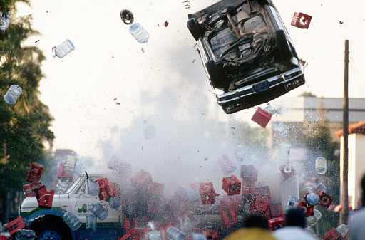 1990-1999「Car Crashing into Delivery Truck」:スマホ壁紙(13)