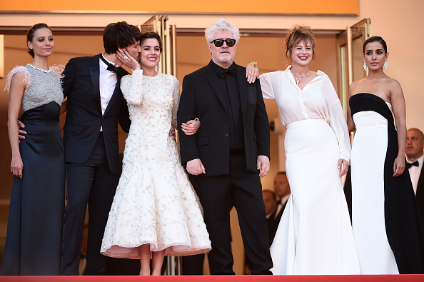 "Beige「""Julieta"" - Red Carpet Arrivals - The 69th Annual Cannes Film Festival」:写真・画像(7)[壁紙.com]"